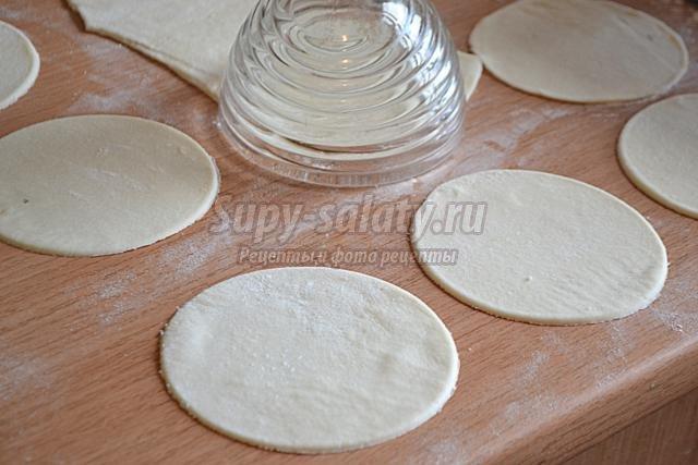 сочные пирожки с мясом и овощами
