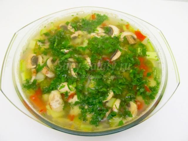 вегетарианский суп с овощами