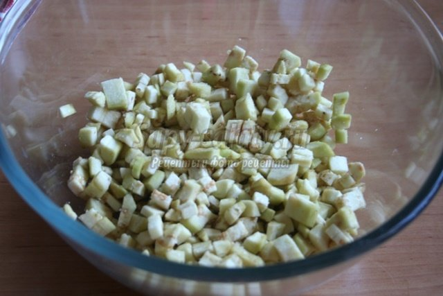 Баклажаны, жаренные с овощами
