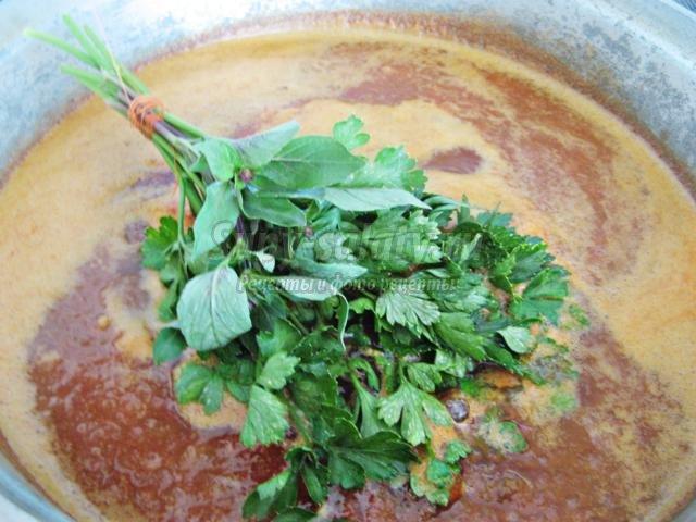 кисло-сладкий соус из слив и помидоров на зиму