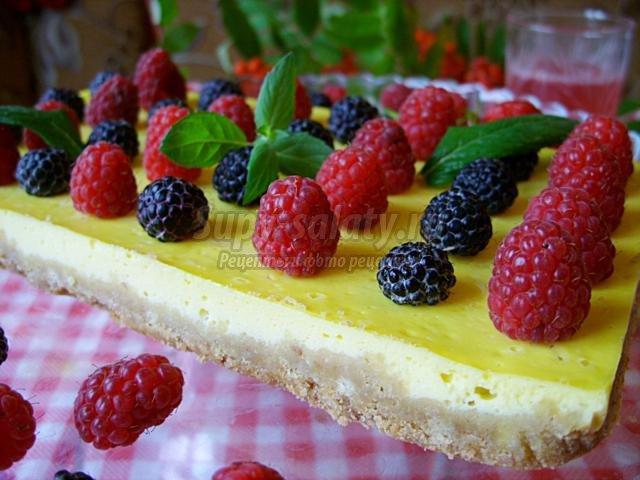 ягодный пирог с мягким сыром