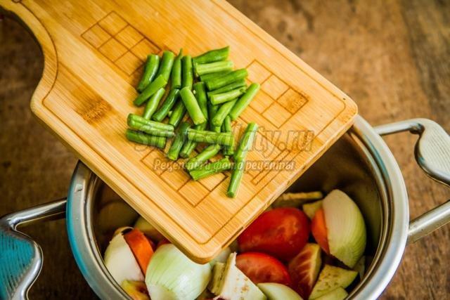 салат из баклажанов с фасолью на зиму
