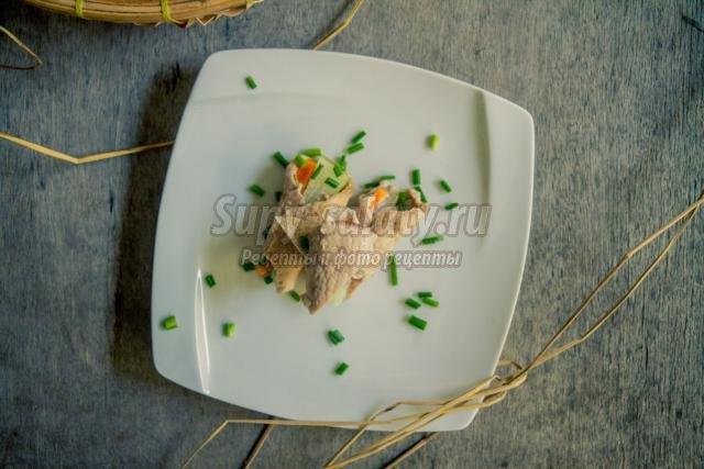 диетические роллы из свинины с овощами