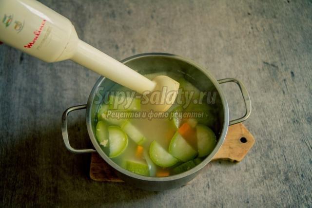 суп-пюре с кабачком и свининой