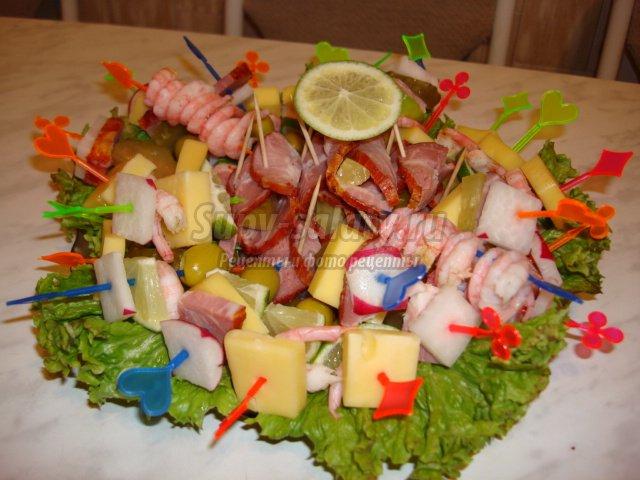 рецепты канапе на Новый год: лучшие с пошаговыми фото.