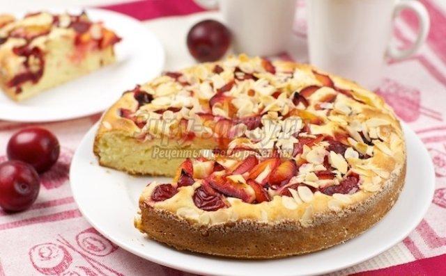 Пирог со сливой и яблоками рецепт