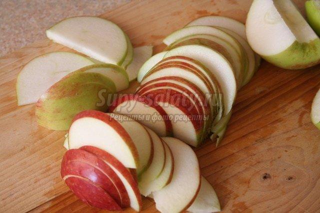 Яблочно-луковая запеканка