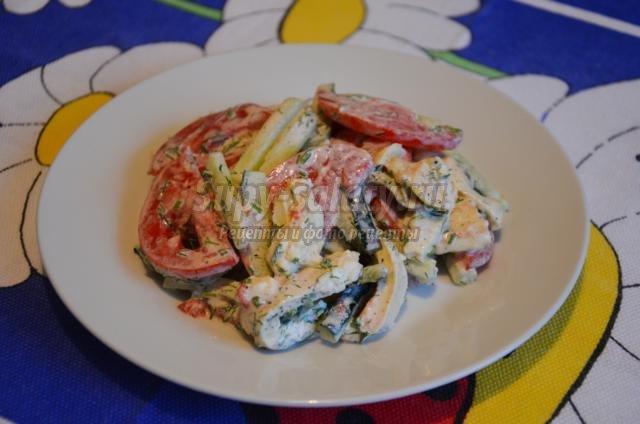 овощной салат с омлетом