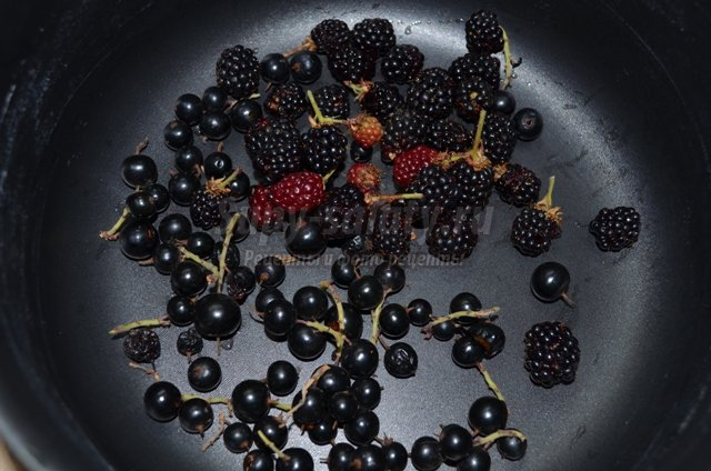 Компот-ассорти из свежих фруктов