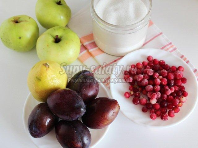 Вкусный компот из фруктов и ягод