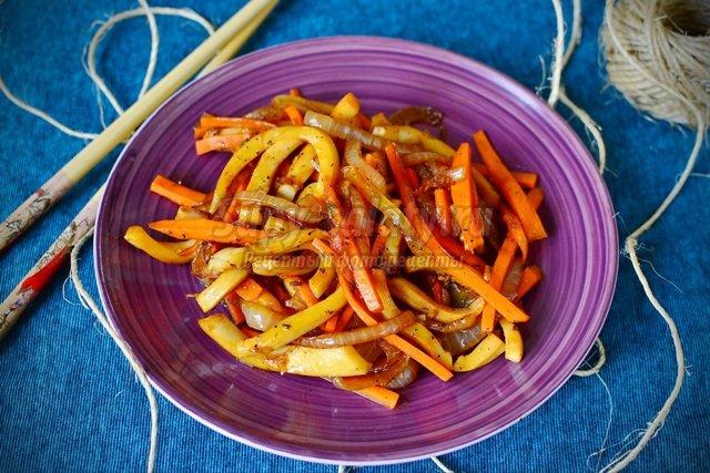 Салат из кальмара по-корейски
