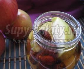 Компот яблочный с шиповником