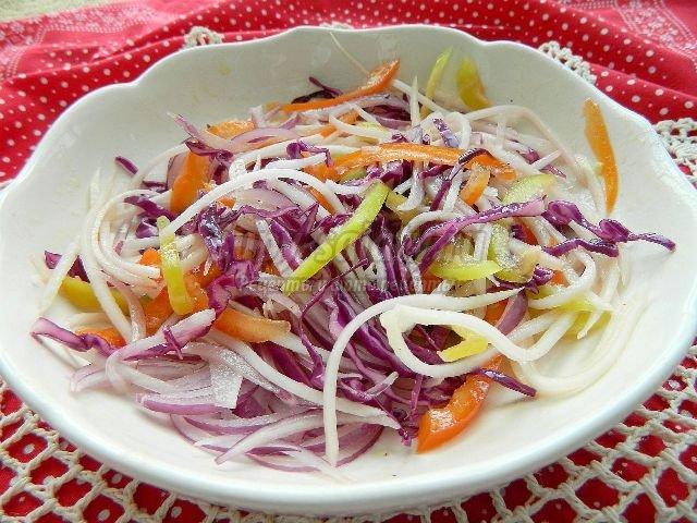 Кальмаровый салат с лимонной заправкой, пошаговый рецепт с фото