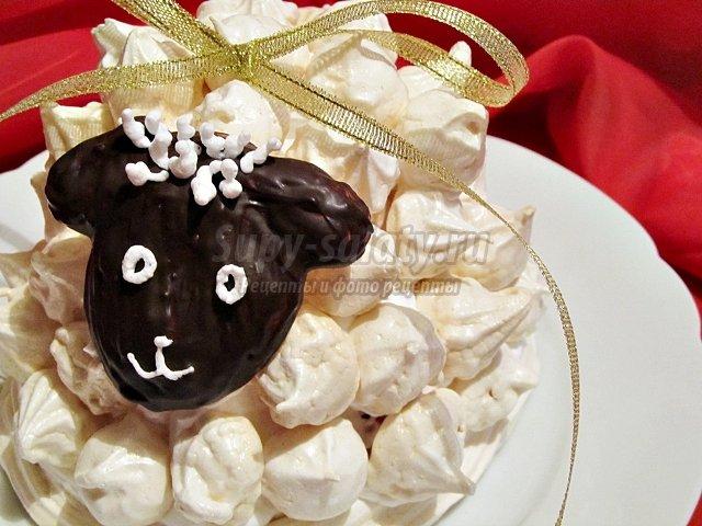 Картинки новогодних тортов 2015