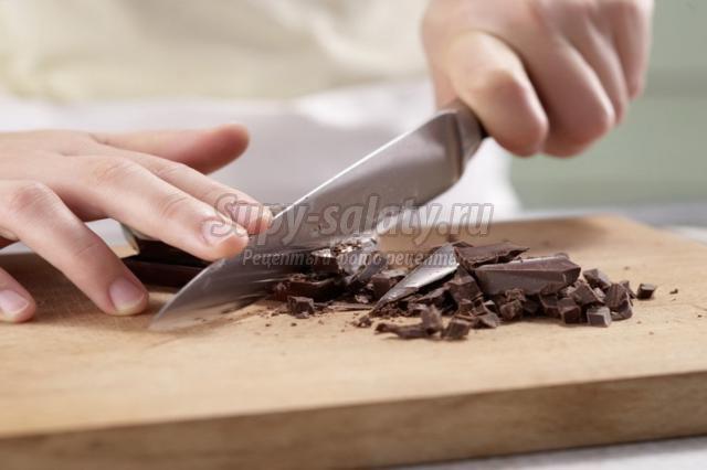 сливовый торт с шоколадной основой без выпечки