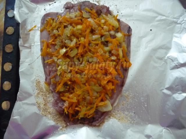 запеченная скумбрия под овощной шубой