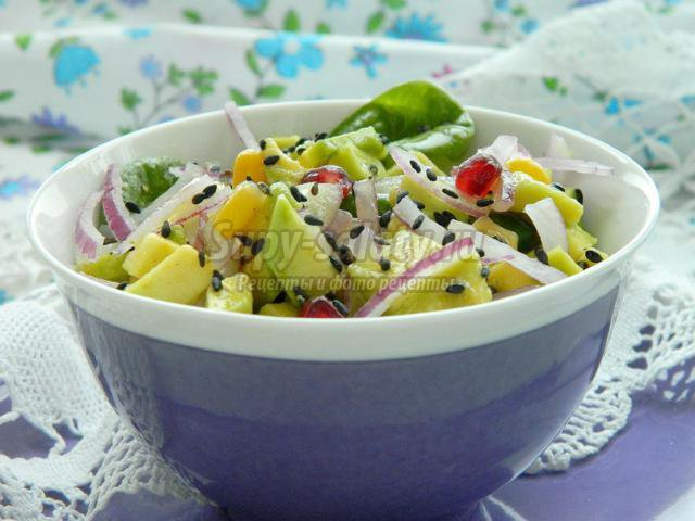 салат из авакадо кукурузы и салата многих будущих мам
