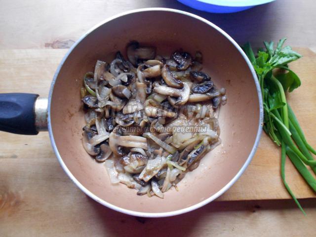 картофельный салат с шампиньонами