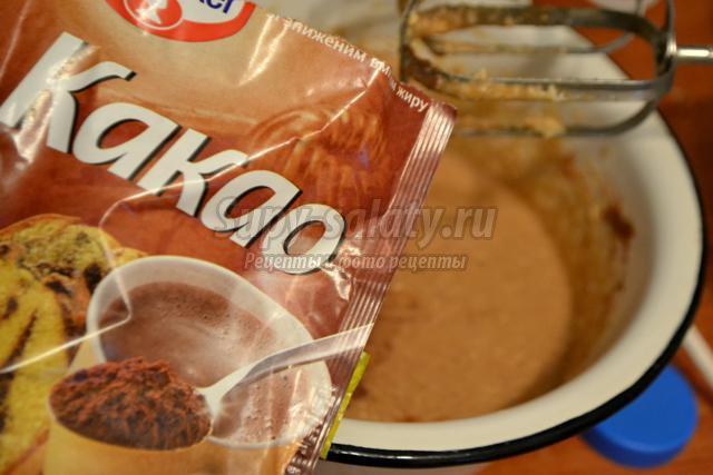 шоколадный пирог со сгущенкой