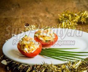 Смотреть Салат с тунцом яйцом и авокадо видео