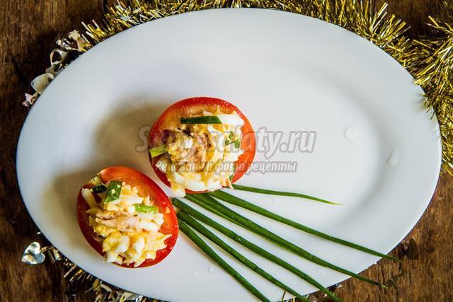 Праздничный салат с тунцом