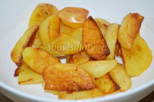 картофель с креветками черемшой и кунжутом