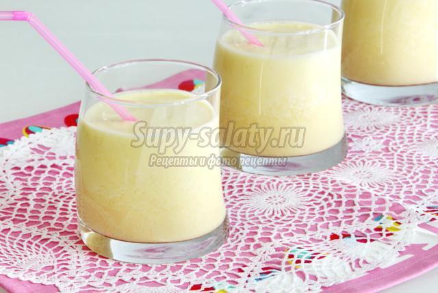 ананасовый смузи с пломбиром