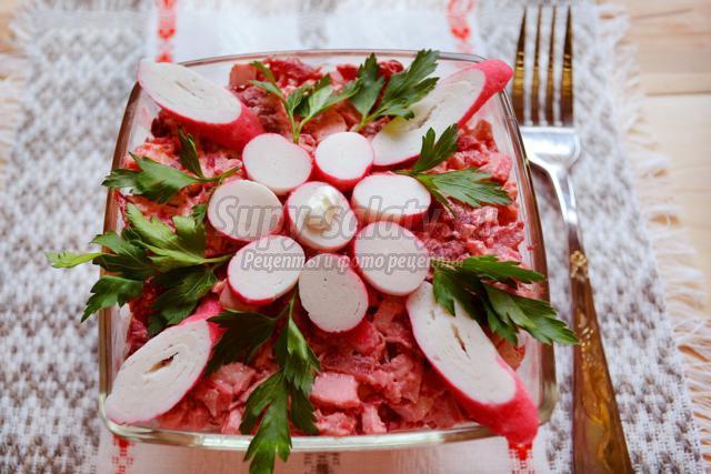 Салат из свеклы и крабовых палочек рецепт очень вкусный