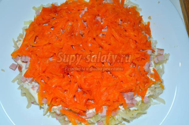 слоеный салат со свеклой и ветчиной. Услада