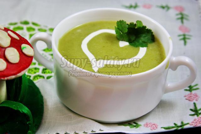 Диетический суп пюре из брокколи