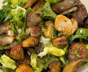 Простые салаты с грибами: рецепты с фото