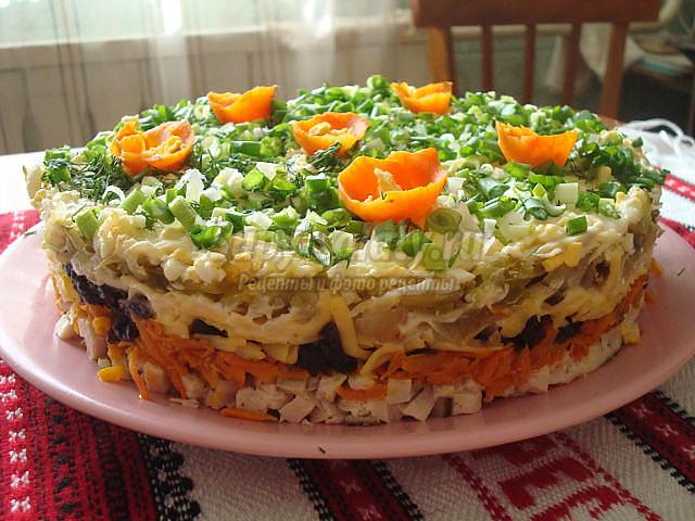 Простые слоеные салаты - вкусно и оригинально