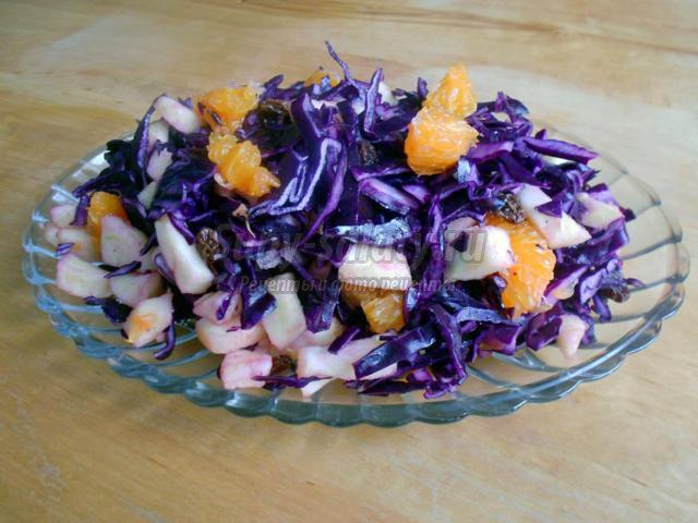 салат из краснокочанной капусты с мандаринами