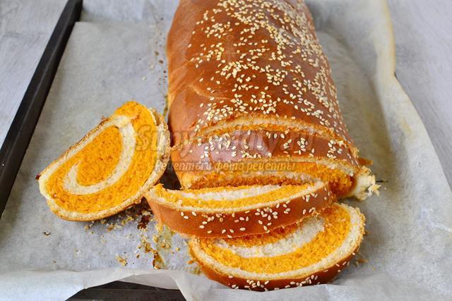Пшенично-томатный хлеб