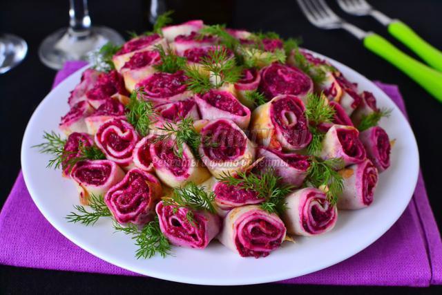 салат с селедкой. Букет роз