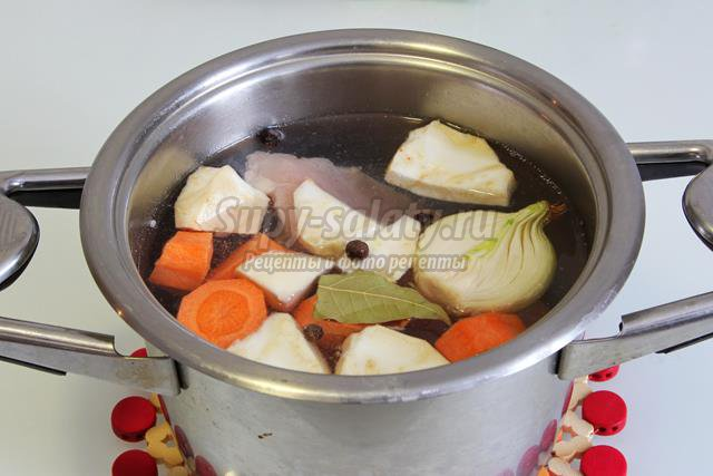 Крем - суп из сушёных грибов на курином бульоне