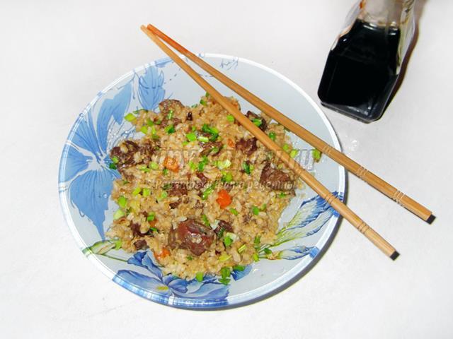 Рис с гусем и соевым соусом