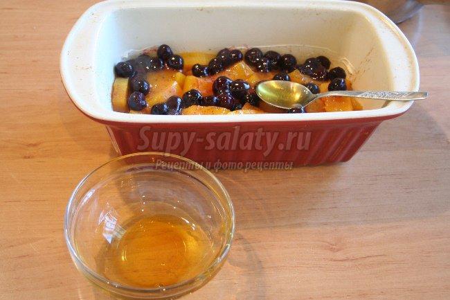 Тыква запеченная с медовой вишней