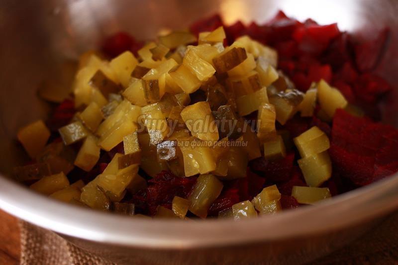 Из свеклы и соленые огурцы вкусныеы
