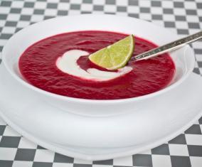 Свекольный крем-суп с кокосовым молоком