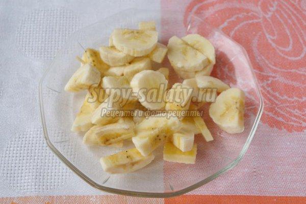 Каша из пшена с бананом и курагой