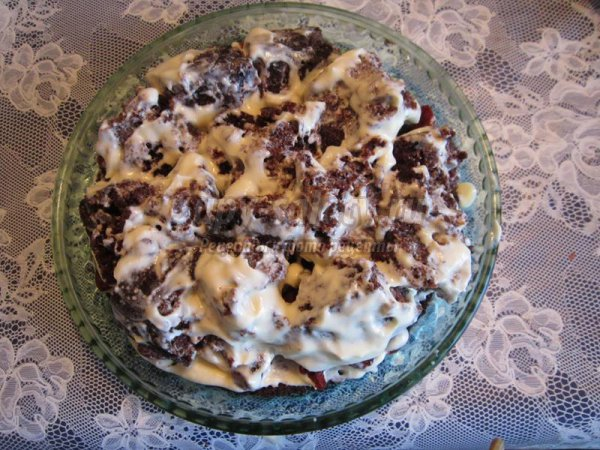 Торт бисквит на кипятке с вишневой начинкой в мультиварке