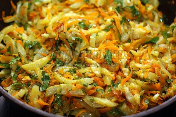 как тушить кабачки на сковороде с капустой