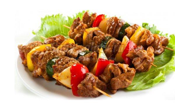 Готовим шашлык из свинины по-кавказски.