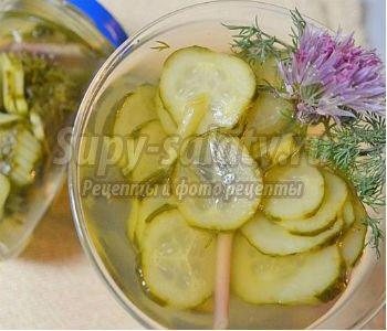 салат из огурцов в медовом маринаде на зиму