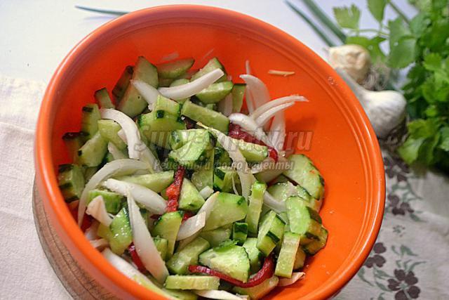 восточный огуречный салат на зиму