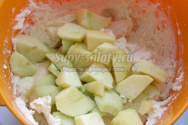 Запеканка с яблоками в мультиварке