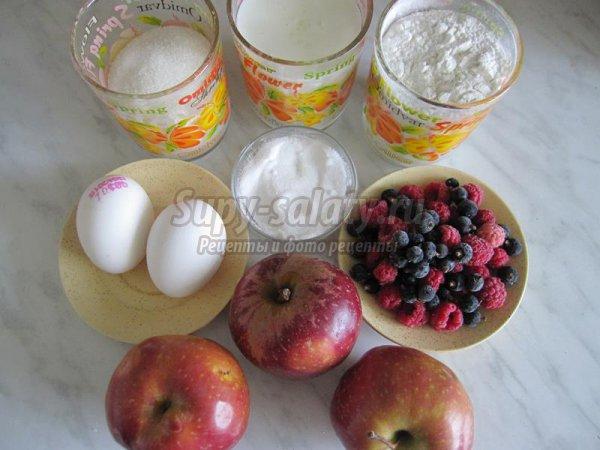 Быстрый фруктовый пирог на кислом молоке