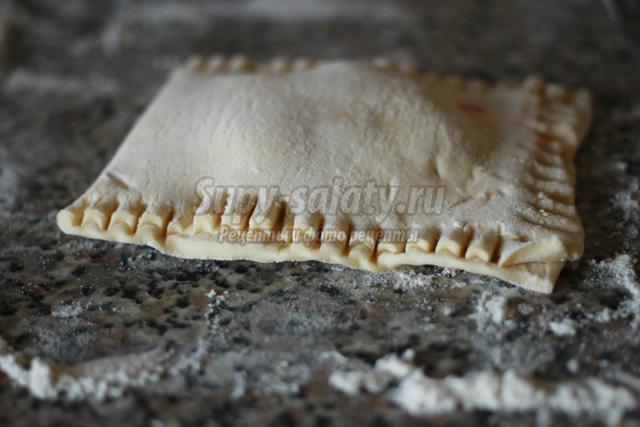 пирожки-слойки с вишней