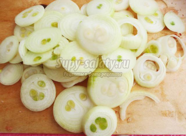 шашлык из куриных окорочков с овощным гарниром